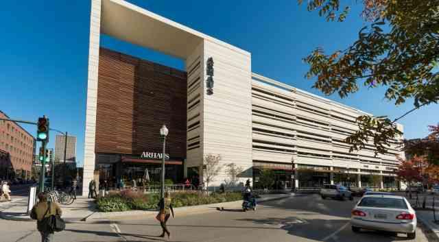 Lafayette Square & Warehouse District Tour